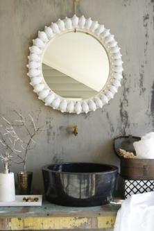 rundt-speil-med-konkylier 6750